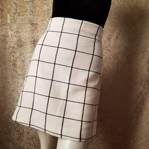 H&M Black & White Skirt Size 6